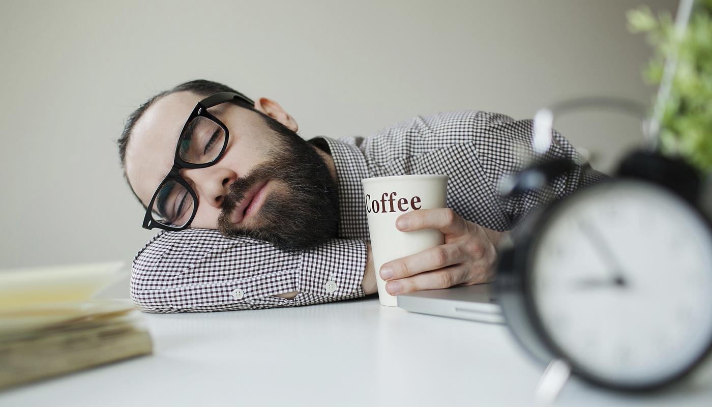 Чтоделать, если постоянно хочется спать на работе? Причины сонливости и упадка сил